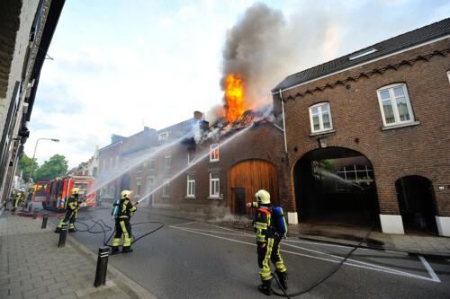 Binnenbrand Groot Burg, Janssenstraat, Beek